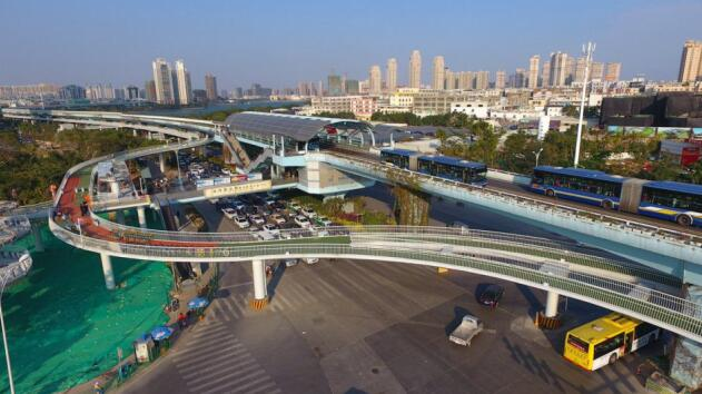 Bike Over Traffic: World's Longest Elevated Cycling Path Opens in China